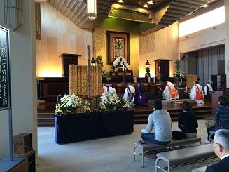 本堂祭壇1