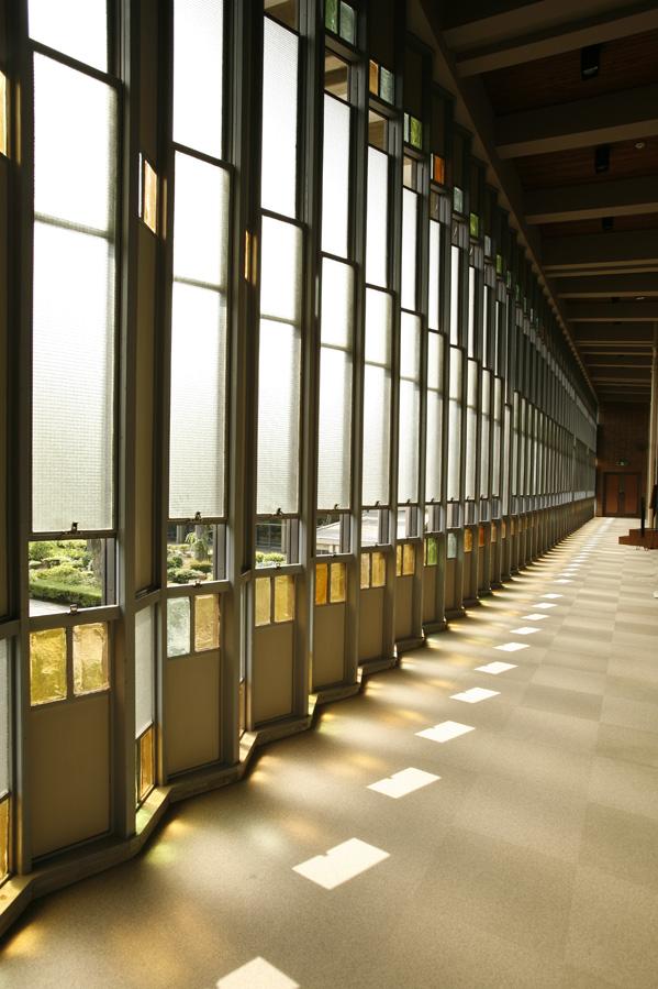 ステンドガラス窓